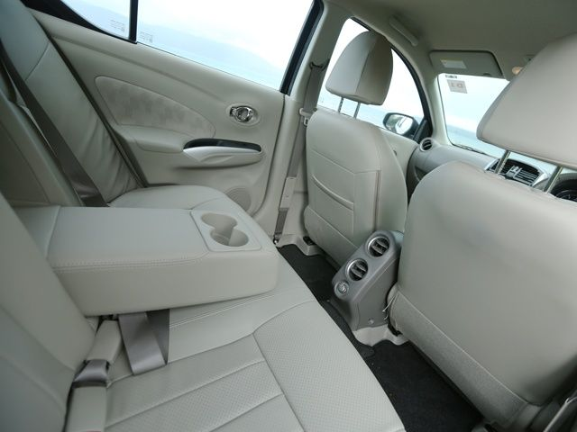 Nissan Sunny Review