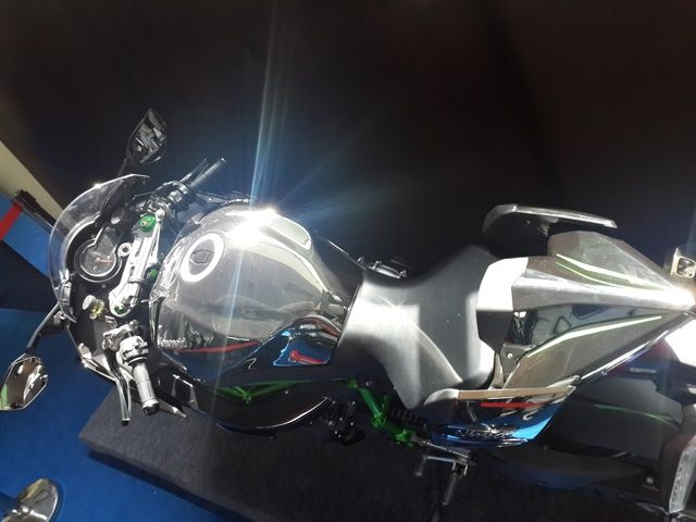 Silver mirror paint on Ninja H2