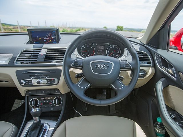2015 Audi Q3 interior