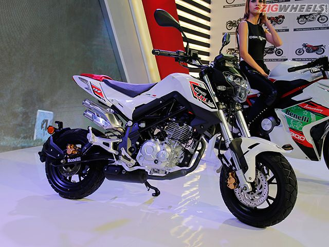 2016 Auto Expo: DSK-Benelli TNT Naked T-135 Photo Gallery