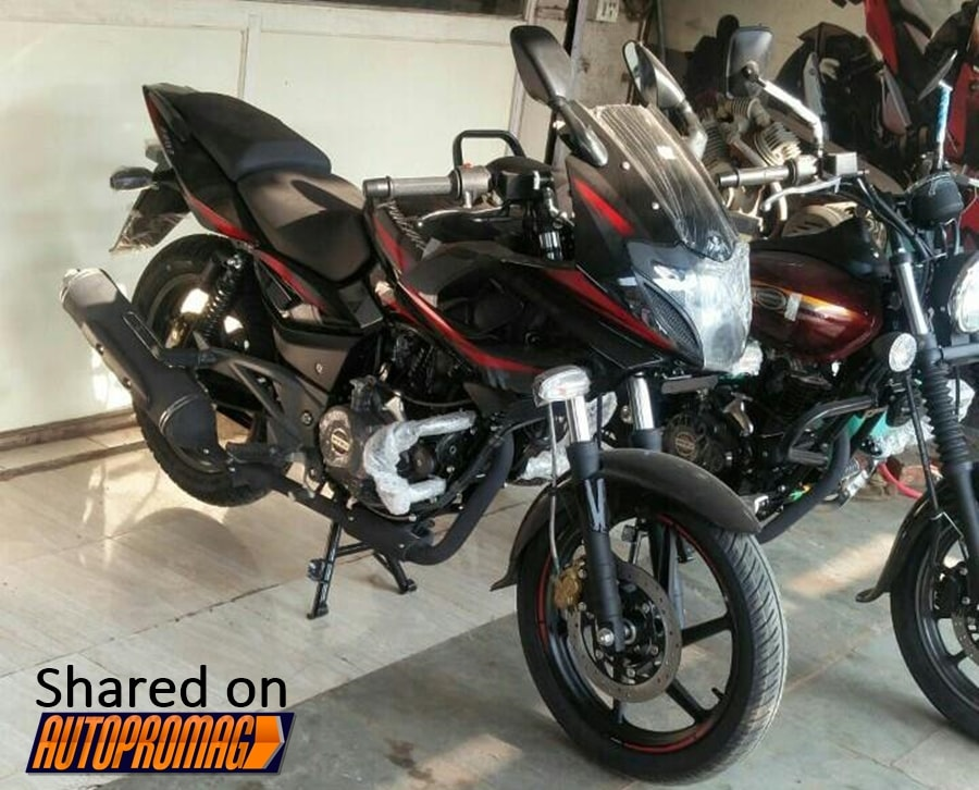 From The Pictures It Seems Like 2017 Bajaj Pulsar 220F Features A New Dual Tone Scheme Exhaust Has Been Given Matte Black Look Along With Some
