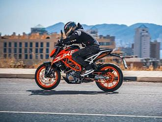 2017 KTM Duke Range Launched