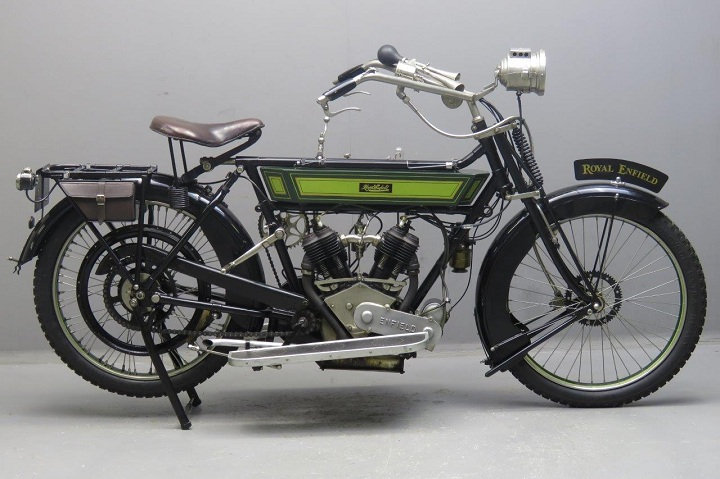 b6422ee7d5e 1932 Royal Enfield Bullet  The first  Bullet 350  was born in the year  1932. It featured a four-valve 350cc single cylinder engine paired with a 4  speed ...